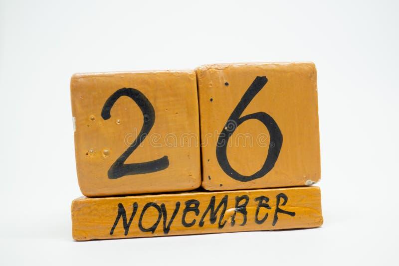 26 Νοεμβρίου Ημέρα 26 του μήνα, χειροποίητο ξύλινο ημερολόγιο που απομονώνεται στο άσπρο υπόβαθρο μήνας φθινοπώρου, ημέρα της ένν στοκ φωτογραφία με δικαίωμα ελεύθερης χρήσης