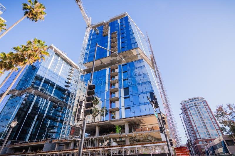 25 Νοεμβρίου 2018 το San Jose/ασβέστιο/ΗΠΑ - νέα μειονεκτήματα κτιρίου γραφείων στοκ φωτογραφία με δικαίωμα ελεύθερης χρήσης