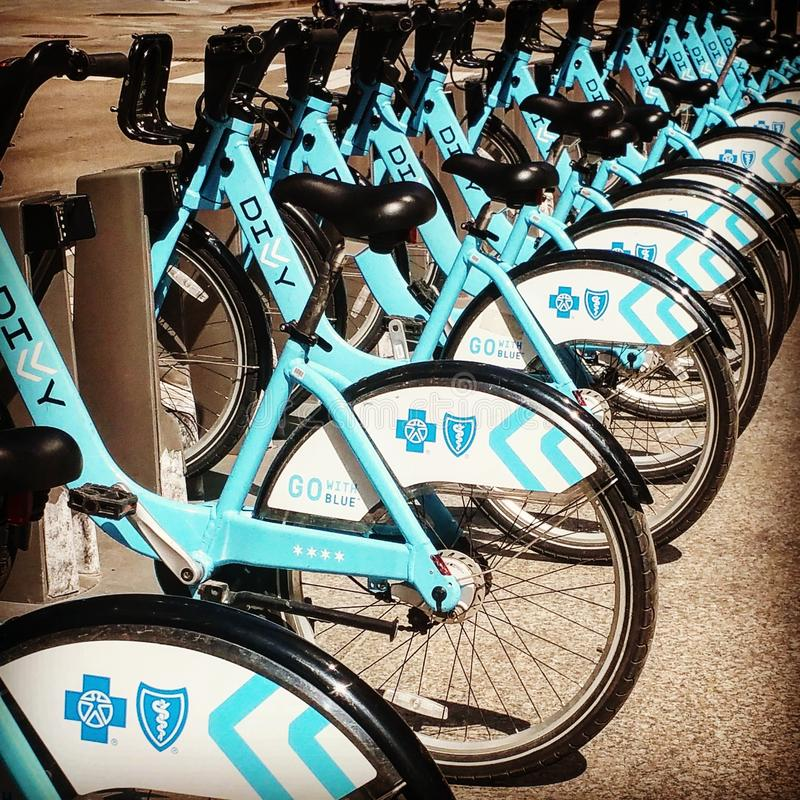 Νοικιάστε ένα ποδήλατο στοκ εικόνες