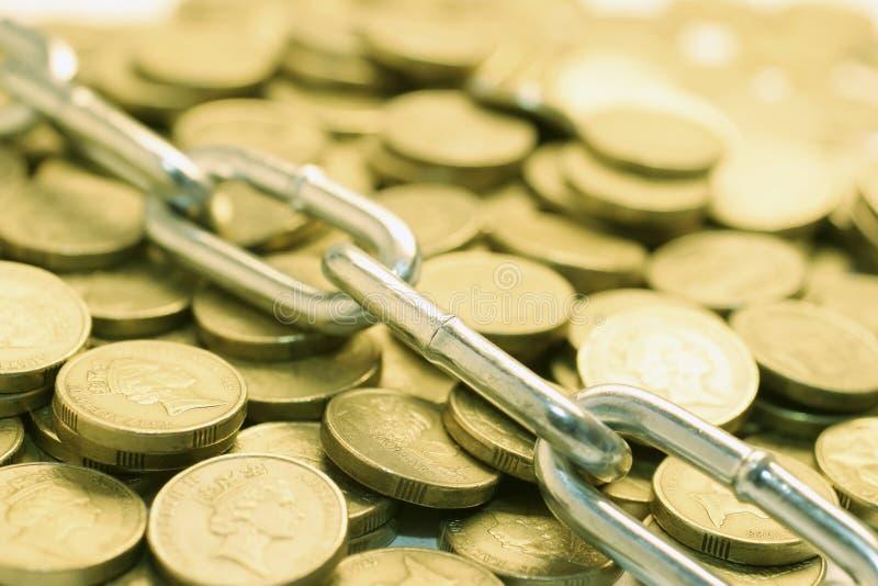 νομίσματα αλυσίδων στοκ εικόνα με δικαίωμα ελεύθερης χρήσης