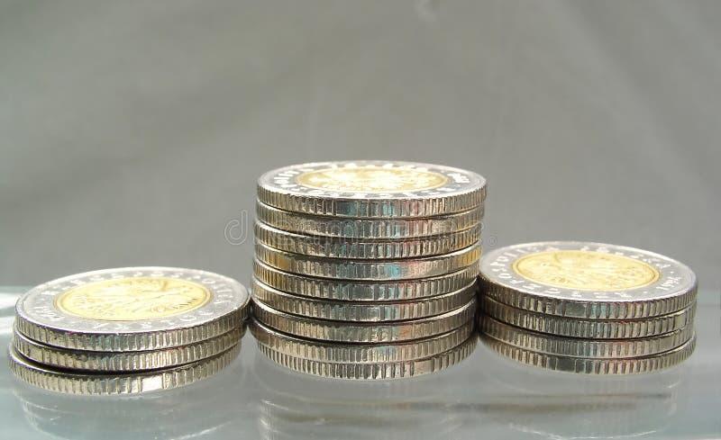 Download νομίσματα στοκ εικόνα. εικόνα από λάμψτε, πέντε, save, σωρός - 103415