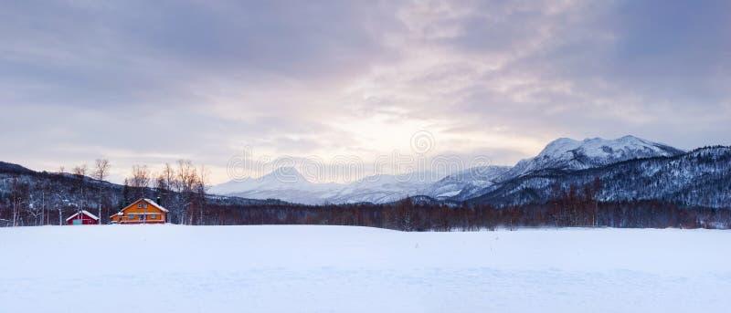 νορβηγικός χειμώνας πανο& στοκ φωτογραφία με δικαίωμα ελεύθερης χρήσης