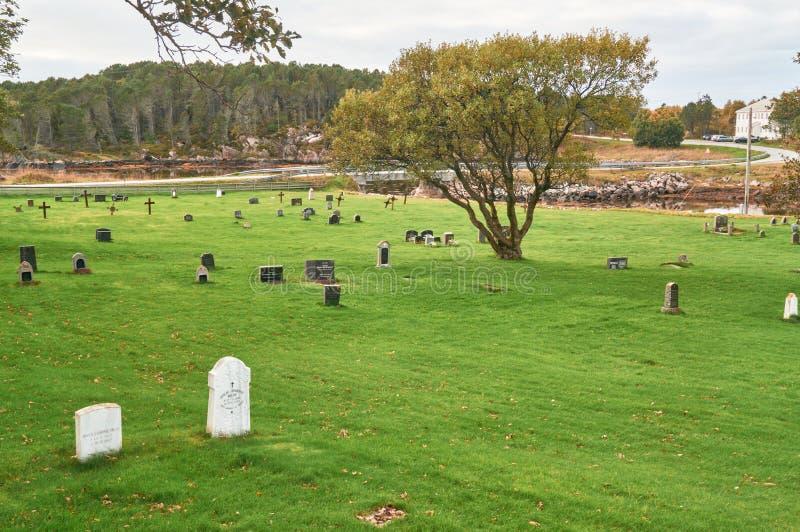 Νορβηγικό φθινόπωρο στο νεκροταφείο στοκ εικόνα