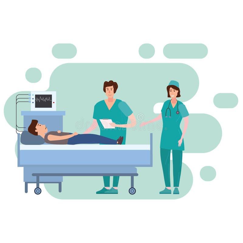 Νοσοκόμα και γιατρός ιατρικής ομάδας που συμβουλεύονται τους υπομονετικούς νεαρούς άνδρες σε ένα ιατρικό κρεβάτι το δωμάτιο νοσοκ ελεύθερη απεικόνιση δικαιώματος
