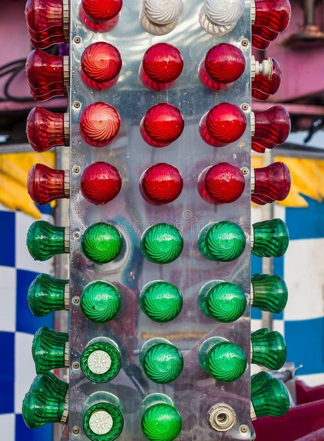 Ντεμοντέ ελαφρύς πόλος γύρου λούνα παρκ καρναβαλιού στοκ φωτογραφία