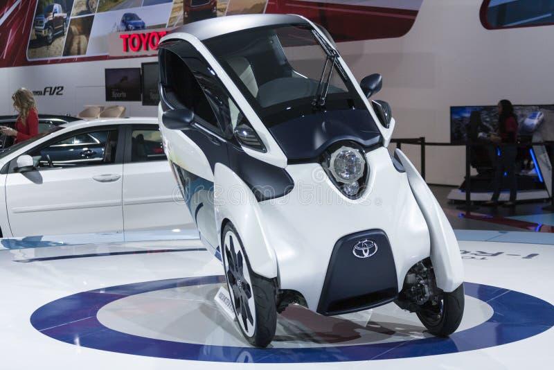 ΝΤΙΤΡΌΙΤ - 26 ΙΑΝΟΥΑΡΊΟΥ: Η νέα ι-οδική έννοια της Toyota στο Βορρά στοκ εικόνες με δικαίωμα ελεύθερης χρήσης