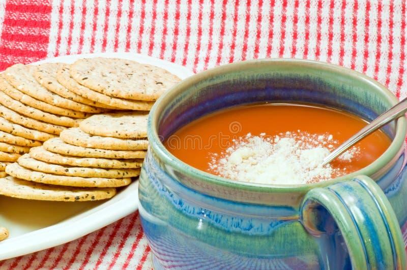 ντομάτα σούπας κροτίδων στοκ εικόνες με δικαίωμα ελεύθερης χρήσης