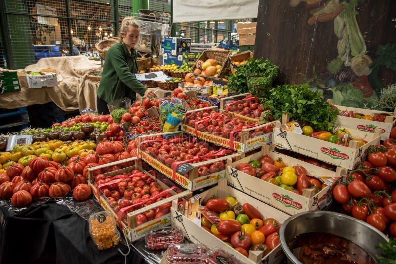 Ντομάτες που πωλούνται UK στην αγορά δήμων στο Λονδίνο, στοκ φωτογραφίες με δικαίωμα ελεύθερης χρήσης