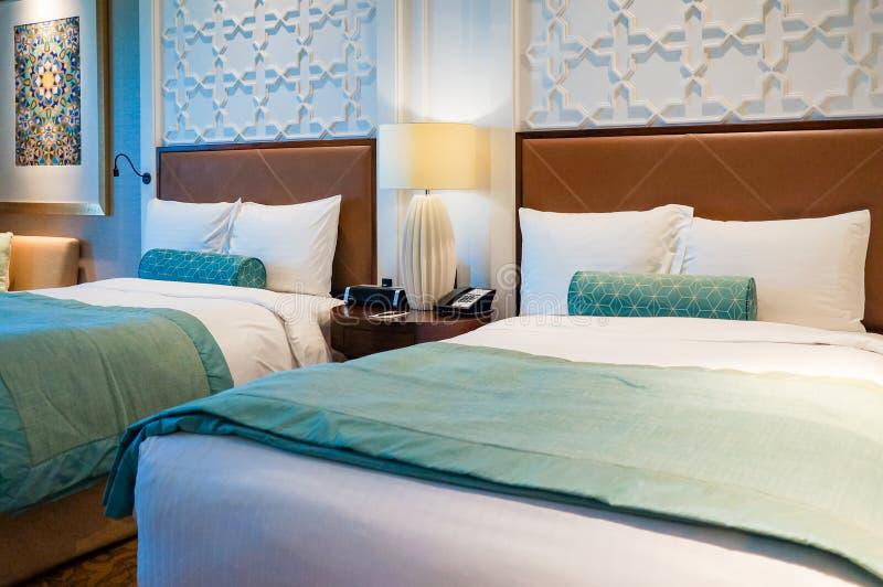 Ντουμπάι Καλοκαίρι 2016 Φωτεινό και σύγχρονο εσωτερικό το ξενοδοχείο Ritz Carlton Ντουμπάι στοκ φωτογραφία με δικαίωμα ελεύθερης χρήσης