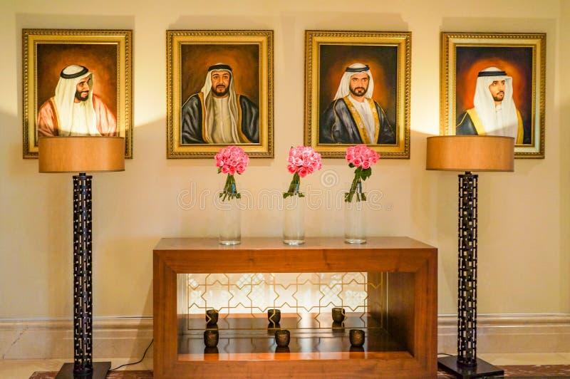 Ντουμπάι Καλοκαίρι 2016 Φωτεινό και σύγχρονο εσωτερικό το ξενοδοχείο Ritz Carlton Ντουμπάι στοκ εικόνα