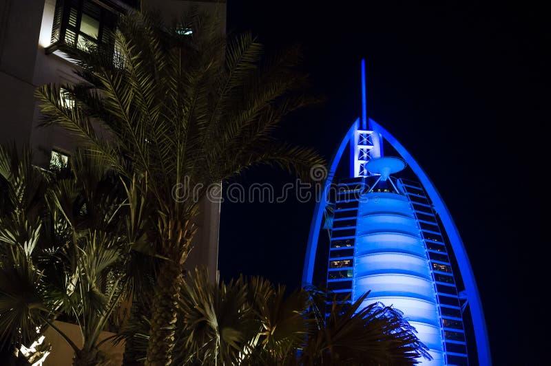ΝΤΟΥΜΠΑΙ, ΗΝΩΜΕΝΑ ΑΡΑΒΙΚΆ ΕΜΙΡΆΤΑ, Ε.Α.Ε. - 19 ΙΑΝΟΥΑΡΊΟΥ 2018 Ντουμπάι Al Άραβας στη νύχτα, πολυτέλεια 7 Burj όμορφο κτήριο ξενο στοκ εικόνες