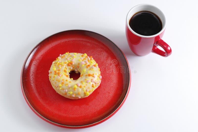 Ντόνατ και καφές στοκ φωτογραφία με δικαίωμα ελεύθερης χρήσης