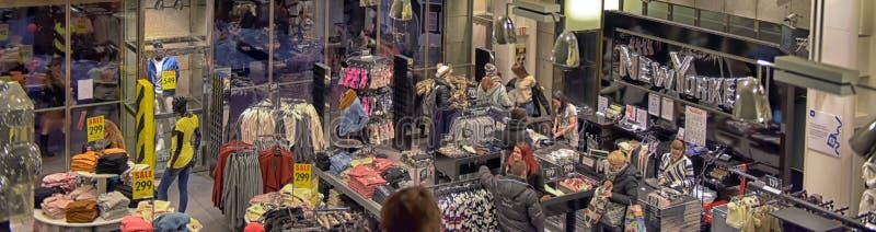 Ντύνοντας κατάστημα Νεοϋρκέζος στοκ εικόνα