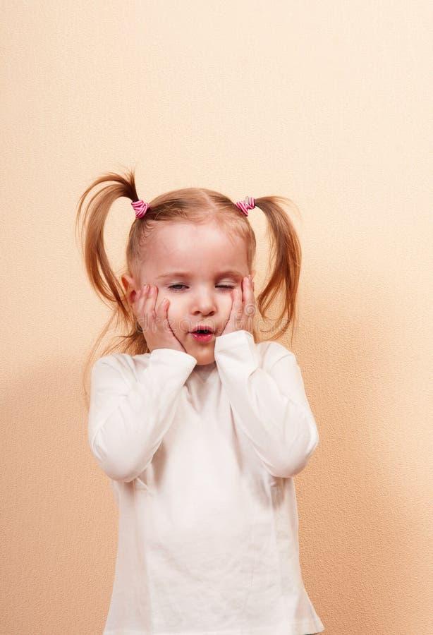 Νυσταλέο κορίτσι στοκ φωτογραφία με δικαίωμα ελεύθερης χρήσης