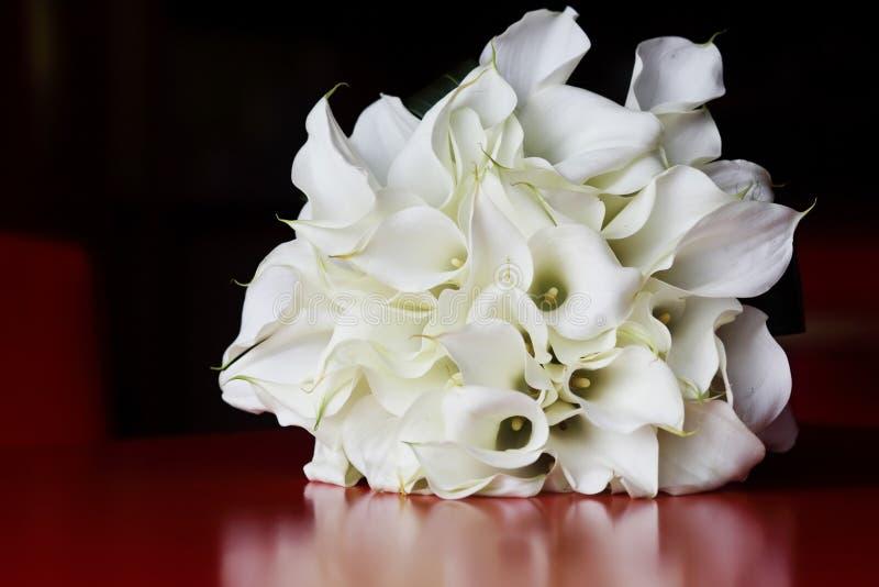 Νυφική ανθοδέσμη κρίνων της Calla στοκ φωτογραφία
