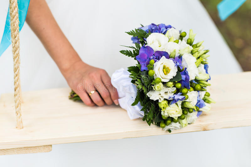 Νυφική ανθοδέσμη των διάφορων λουλουδιών στοκ εικόνες