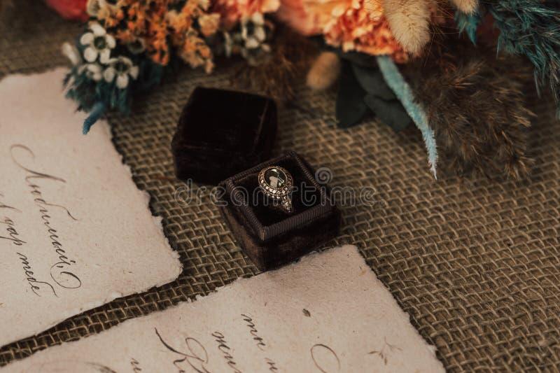 Νυφικό μπουκέτο, δαχτυλίδι και όρκος στοκ εικόνες με δικαίωμα ελεύθερης χρήσης