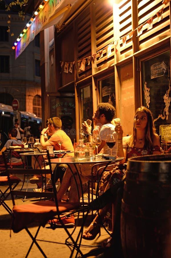 Νυχτερινή ζωή στη Λυών στοκ εικόνα με δικαίωμα ελεύθερης χρήσης