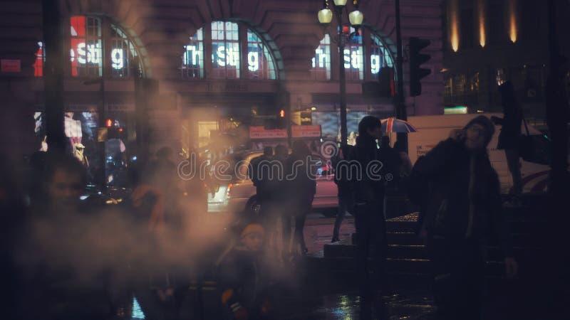 Νυχτερινή ζωή του Λονδίνου στοκ φωτογραφία με δικαίωμα ελεύθερης χρήσης