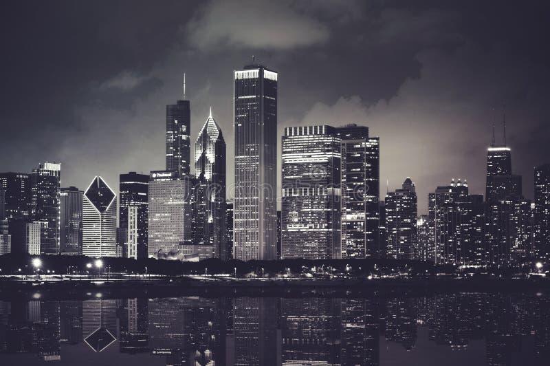 Νυχτερινός ορίζοντας του Σικάγου στοκ φωτογραφίες