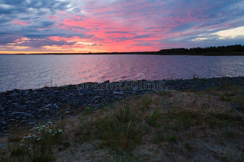Νυχτερινός ουρανός στον κόλπο (Φινλανδία, πολική ημέρα) στοκ φωτογραφία με δικαίωμα ελεύθερης χρήσης