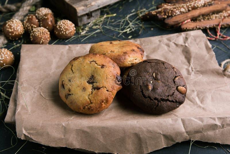 Νόστιμα βουτύρου μπισκότα με τη σοκολάτα και τη βανίλια στοκ εικόνες