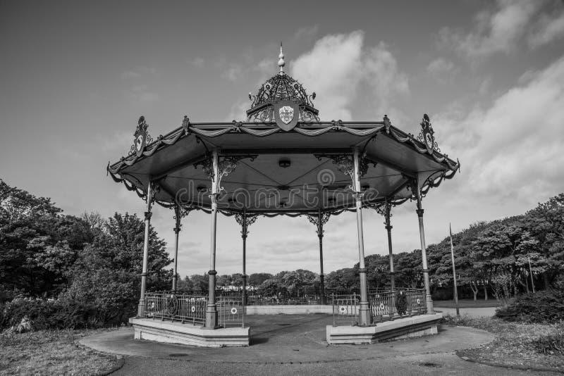 Νότιες ασπίδες Bandstand στο θαλάσσιο πάρκο στοκ φωτογραφίες με δικαίωμα ελεύθερης χρήσης
