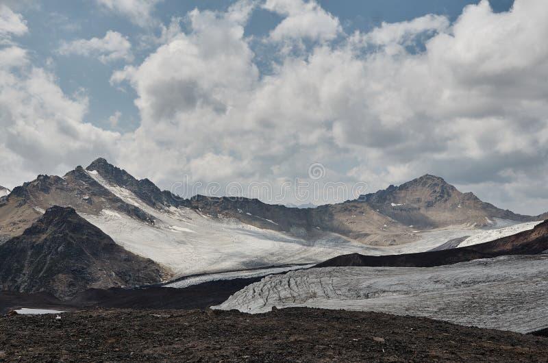 Νότος Elbrus στοκ φωτογραφία με δικαίωμα ελεύθερης χρήσης