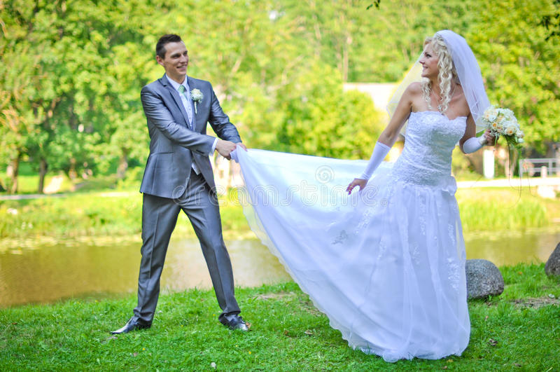 Νύφη και νεόνυμφος στοκ φωτογραφία με δικαίωμα ελεύθερης χρήσης