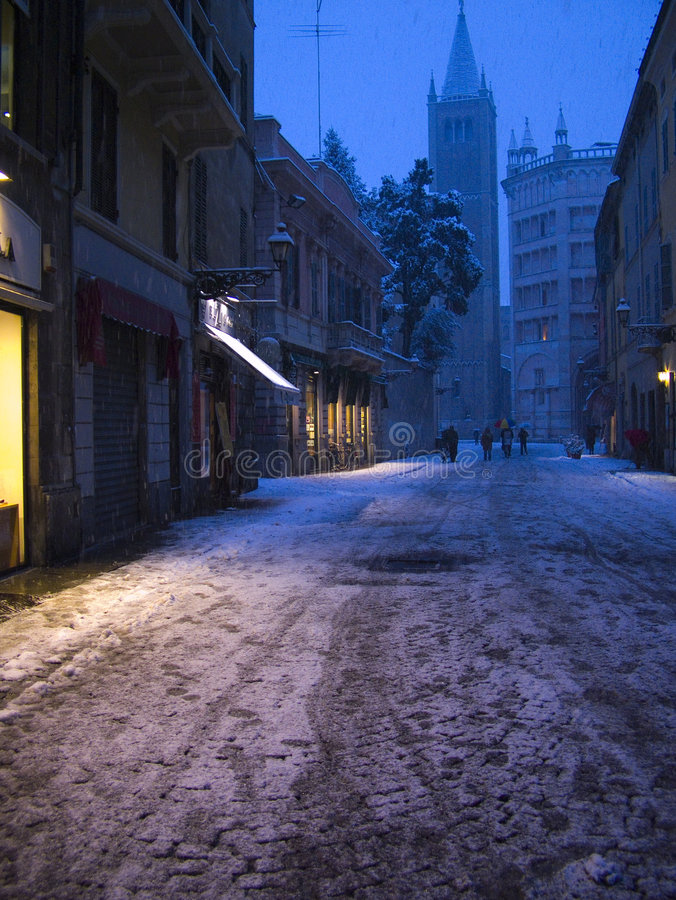 Download νύχτα Πάρμα στοκ εικόνα. εικόνα από βακκινίων, λαμπτήρας - 1548073