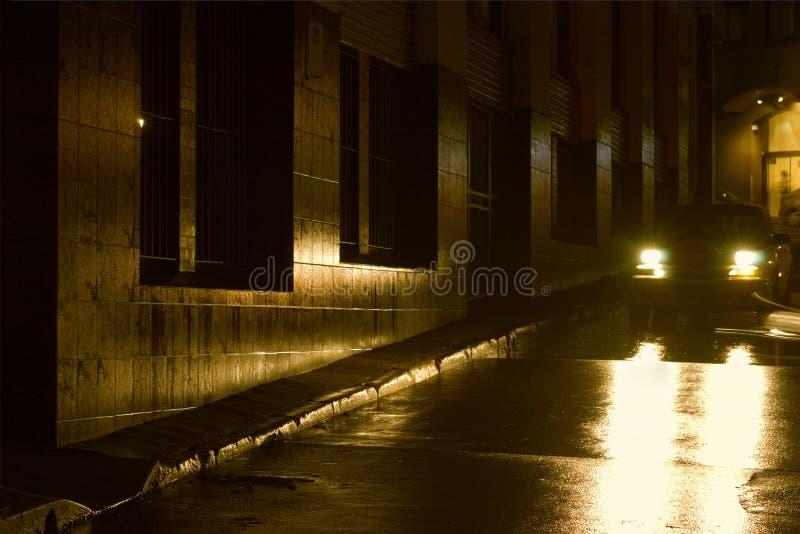 νύχτα πόλεων υγρή στοκ εικόνα με δικαίωμα ελεύθερης χρήσης