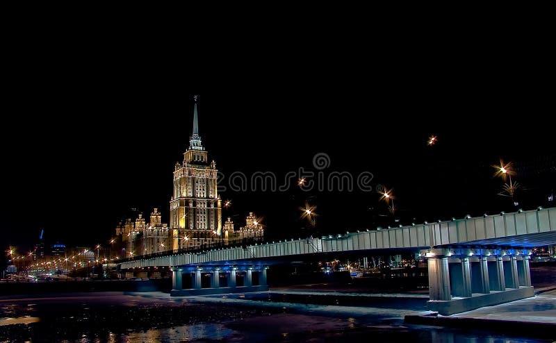 Download νύχτα πόλεων στοκ εικόνα. εικόνα από ξενοδοχείο, προγεφυρωμάτων - 13176783