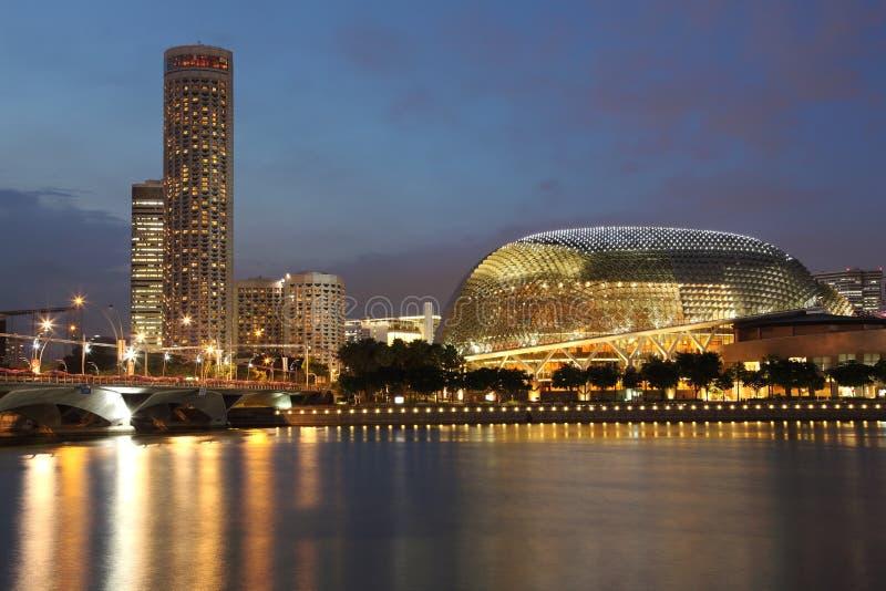 Νύχτα Σινγκαπούρης στοκ εικόνες με δικαίωμα ελεύθερης χρήσης