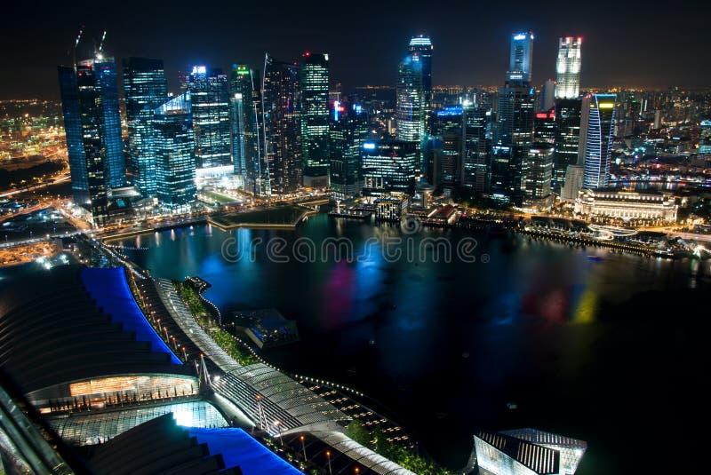 νύχτα Σινγκαπούρη εμπορικών κέντρων στοκ εικόνα με δικαίωμα ελεύθερης χρήσης