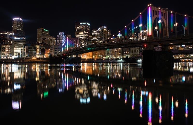 Νύχτα στο Πίτσμπουργκ Πενσυλβανία στοκ εικόνες με δικαίωμα ελεύθερης χρήσης