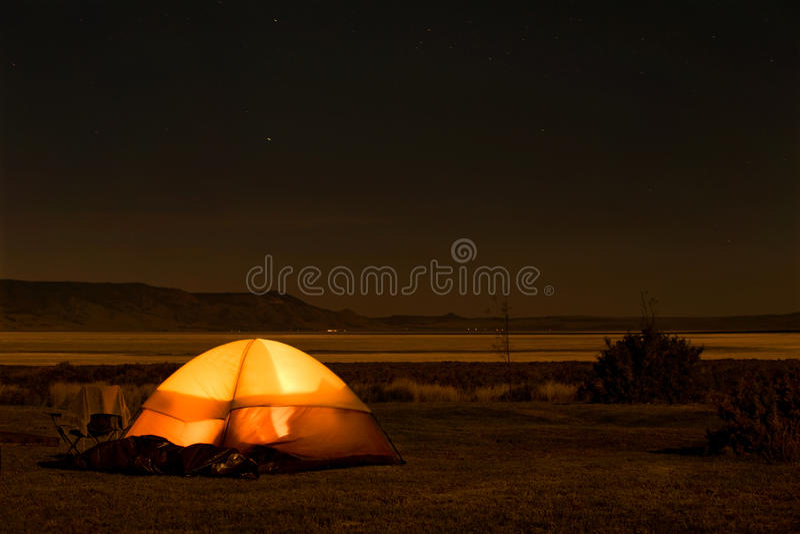 νύχτα στρατοπέδευσης στοκ φωτογραφίες με δικαίωμα ελεύθερης χρήσης