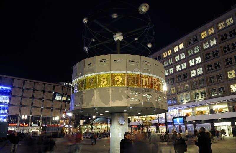 νύχτα του Βερολίνου στοκ φωτογραφία με δικαίωμα ελεύθερης χρήσης