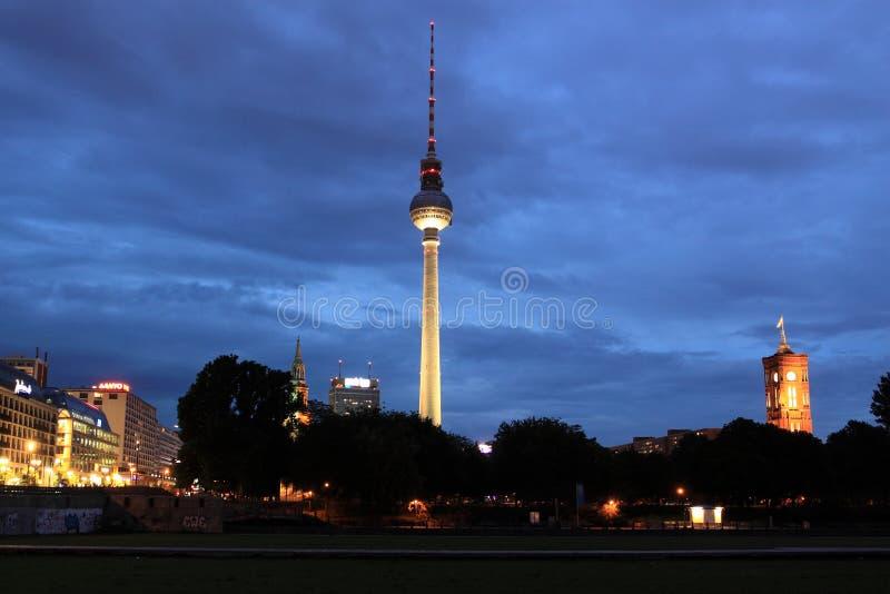 νύχτα του Βερολίνου στοκ εικόνες με δικαίωμα ελεύθερης χρήσης