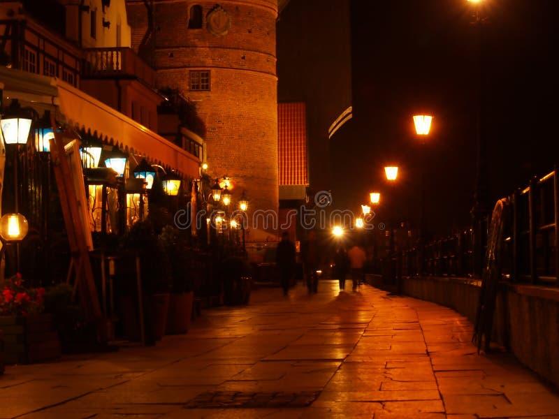 νύχτα του Γντανσκ πόλεων θαλασσίων περίπατων στοκ φωτογραφία