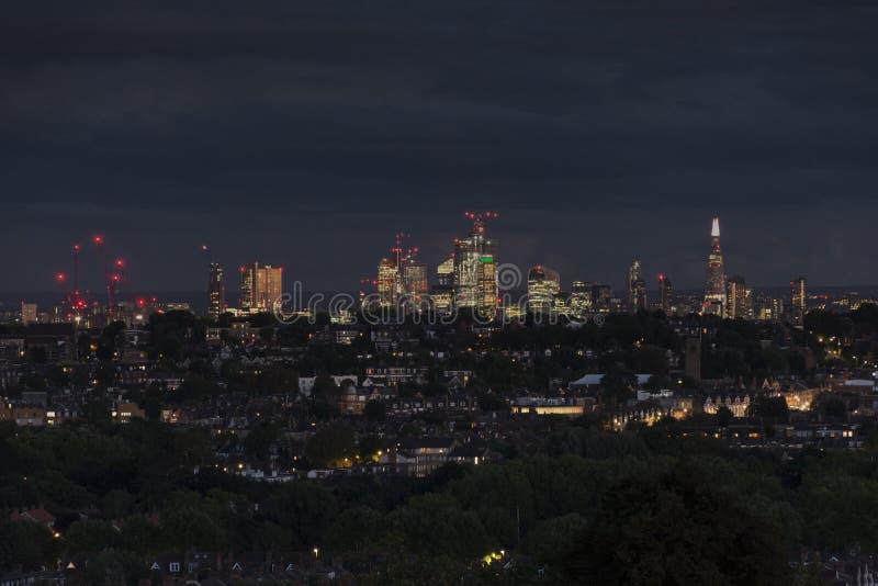 νύχτα του Λονδίνου Κέντρο πόλεων στοκ φωτογραφίες με δικαίωμα ελεύθερης χρήσης