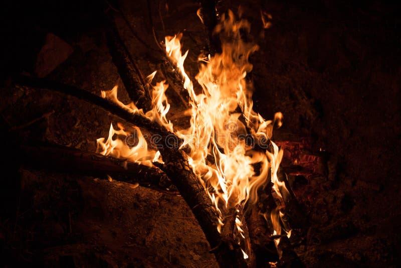 Νύχτα φωτιών καψίματος Στοκ Εικόνα