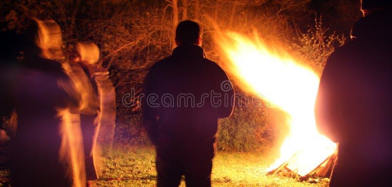 νύχτα φωτιών στοκ φωτογραφίες με δικαίωμα ελεύθερης χρήσης