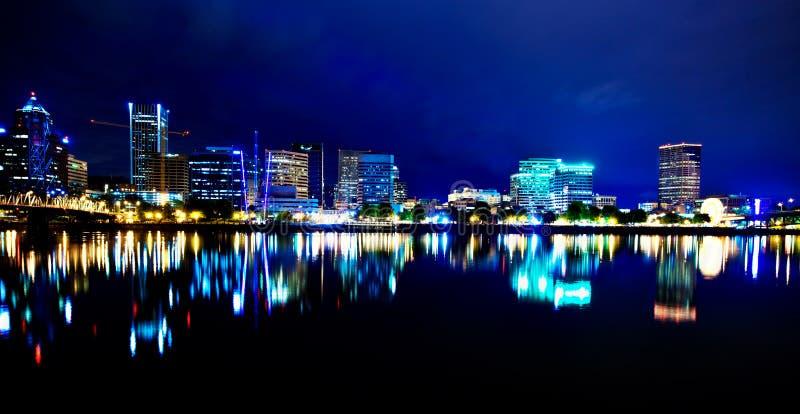 νύχτα Όρεγκον Πόρτλαντ στοκ φωτογραφία με δικαίωμα ελεύθερης χρήσης