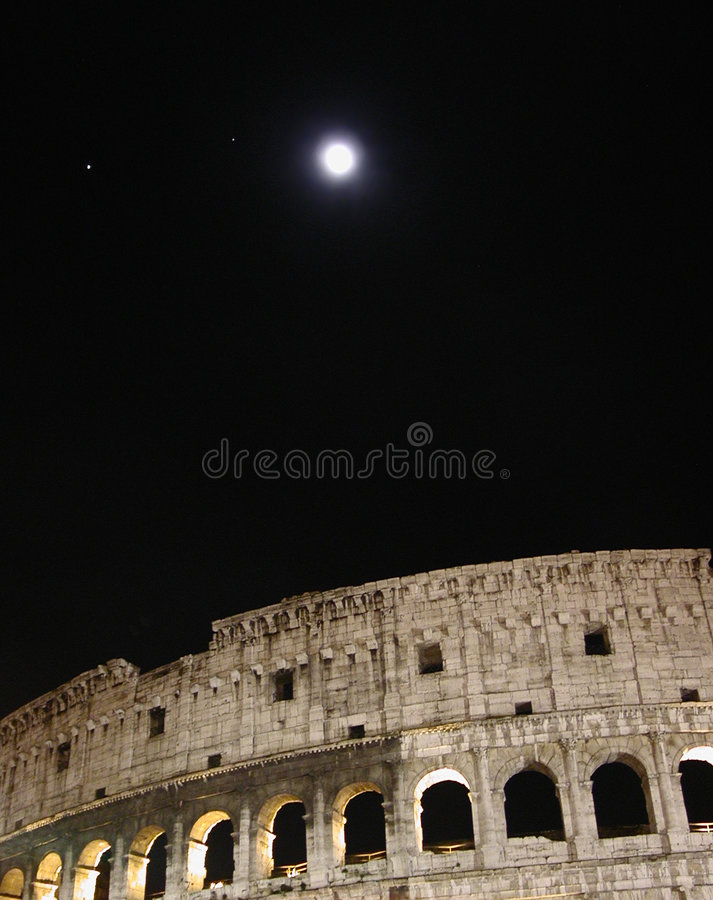 νύχτα coliseum στοκ φωτογραφίες
