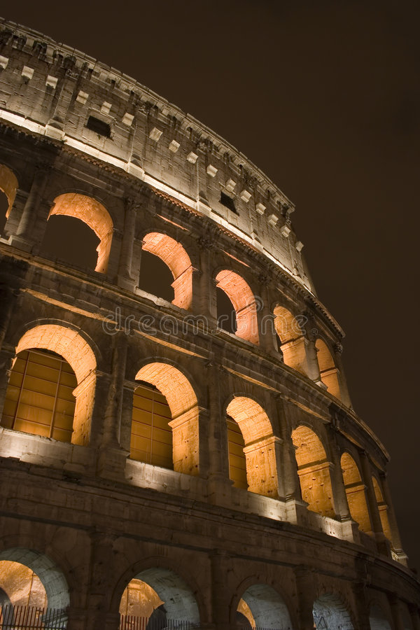 νύχτα colosseum στοκ εικόνες
