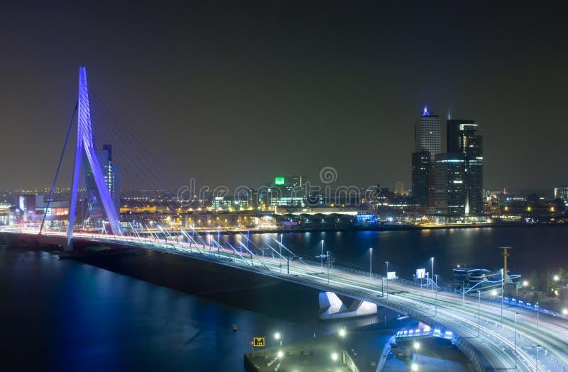 νύχτα Erasmus γεφυρών στοκ εικόνες