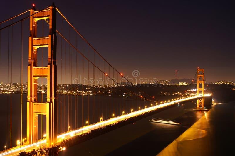 νύχτα golgen πυλών γεφυρών στοκ φωτογραφίες