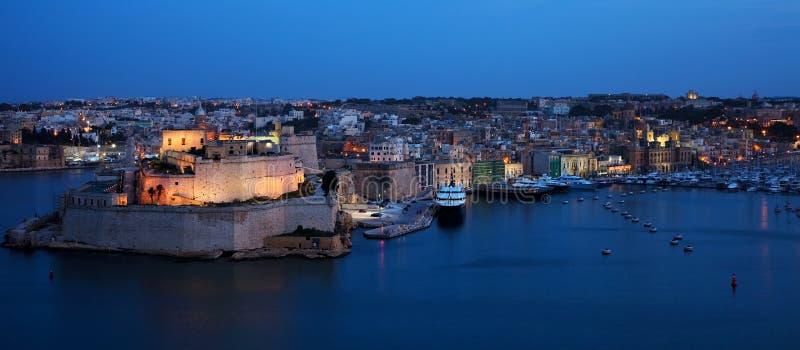 νύχτα ST της Μάλτας οχυρών το&up στοκ εικόνες