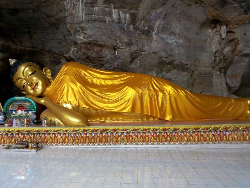 ξάπλωμα του Βούδα στοκ φωτογραφία με δικαίωμα ελεύθερης χρήσης