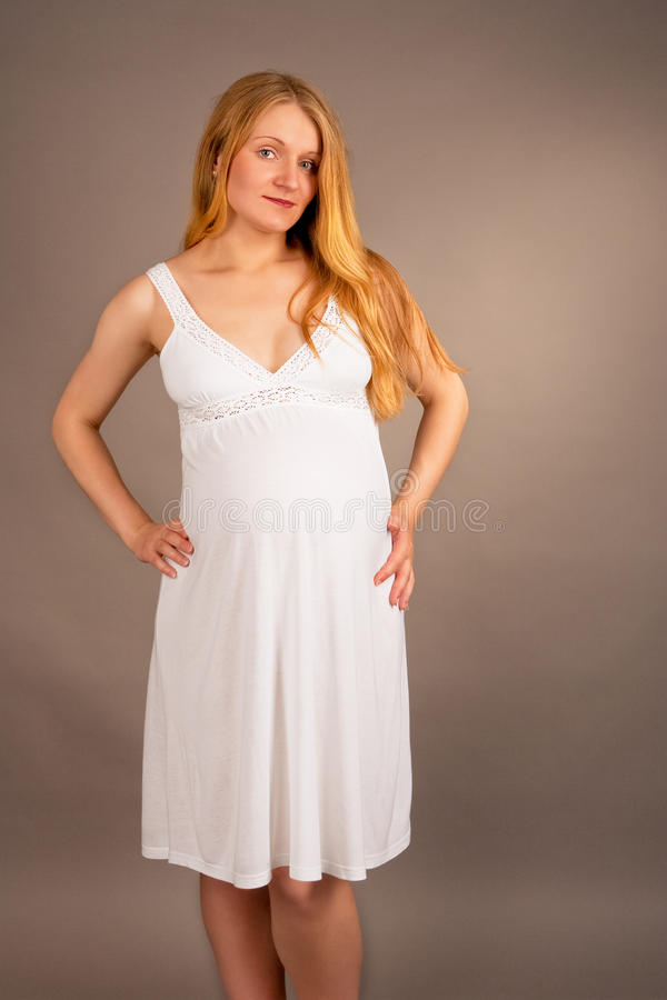 ξανθές έγκυες λευκές νε στοκ εικόνα